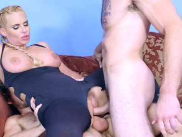 Reverse cowgirl double penetration for hardcore MILF blonde Phoenix Marie