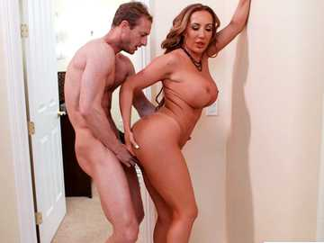 Huge boobed blonde Richelle Ryan pays doggy style her apartments rent